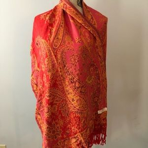 Wrap/scarf beautiful print red and orange